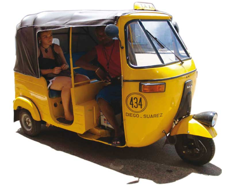 Le Taxi tricycle : Le nouveau mode de transport de la ville de Diego Suarez