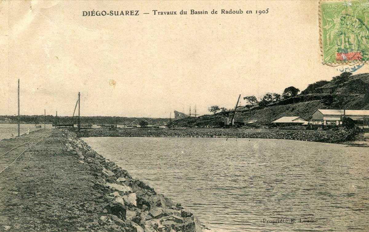 Les travaux du bassin de radoub de Diego Suarez en 1905