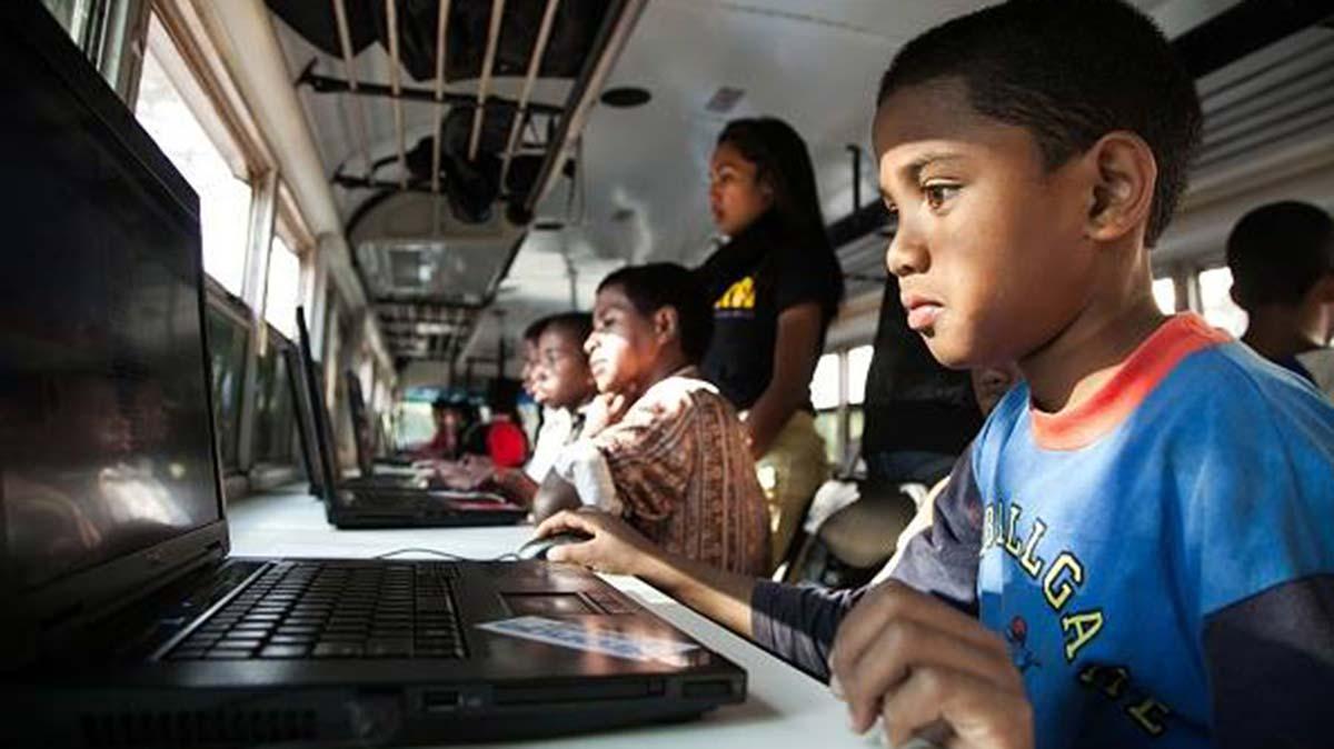 coderbus apprendre aux enfants la programmation informatique. Black Bedroom Furniture Sets. Home Design Ideas